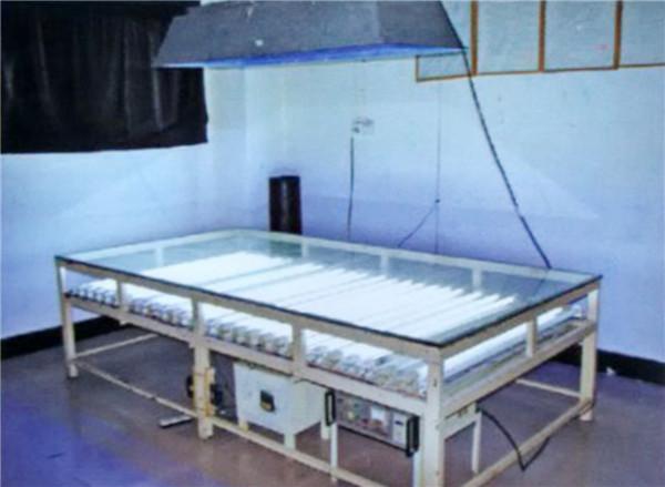 玻璃碎片檢測臺