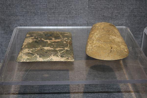 石铲和石斧(新石器时代距今1.8~4500年)