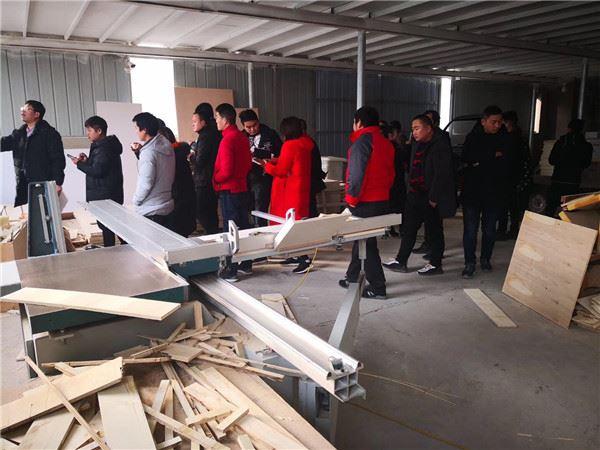 2019年1月,禹州浴室柜项目服务