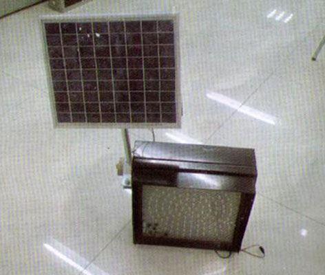 太阳能信号灯